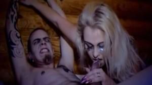 Sabina ja Louis Cypher nussivat rankasti fantasia suomiporno videossa