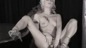johanna tukiainen alaston kuuma blondi